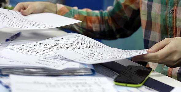 قبل از شروع به نگارش مقاله، برای خود یک پیشنویس تهیه کنید.
