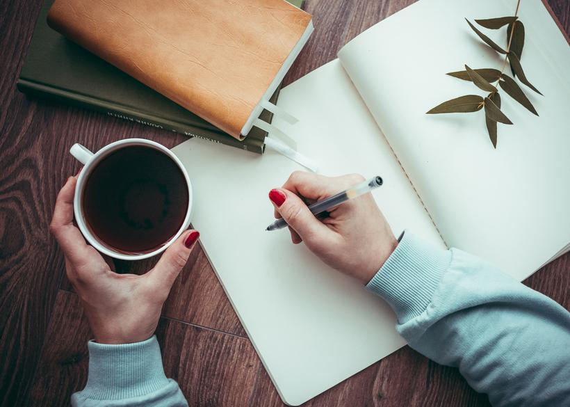 مراحل مقاله نویسی برای یک مقاله علمی دارای الگو و استانداردهای مشخصی است که با سایر نوشتههای علمی و غیر علمی متفاوت است.