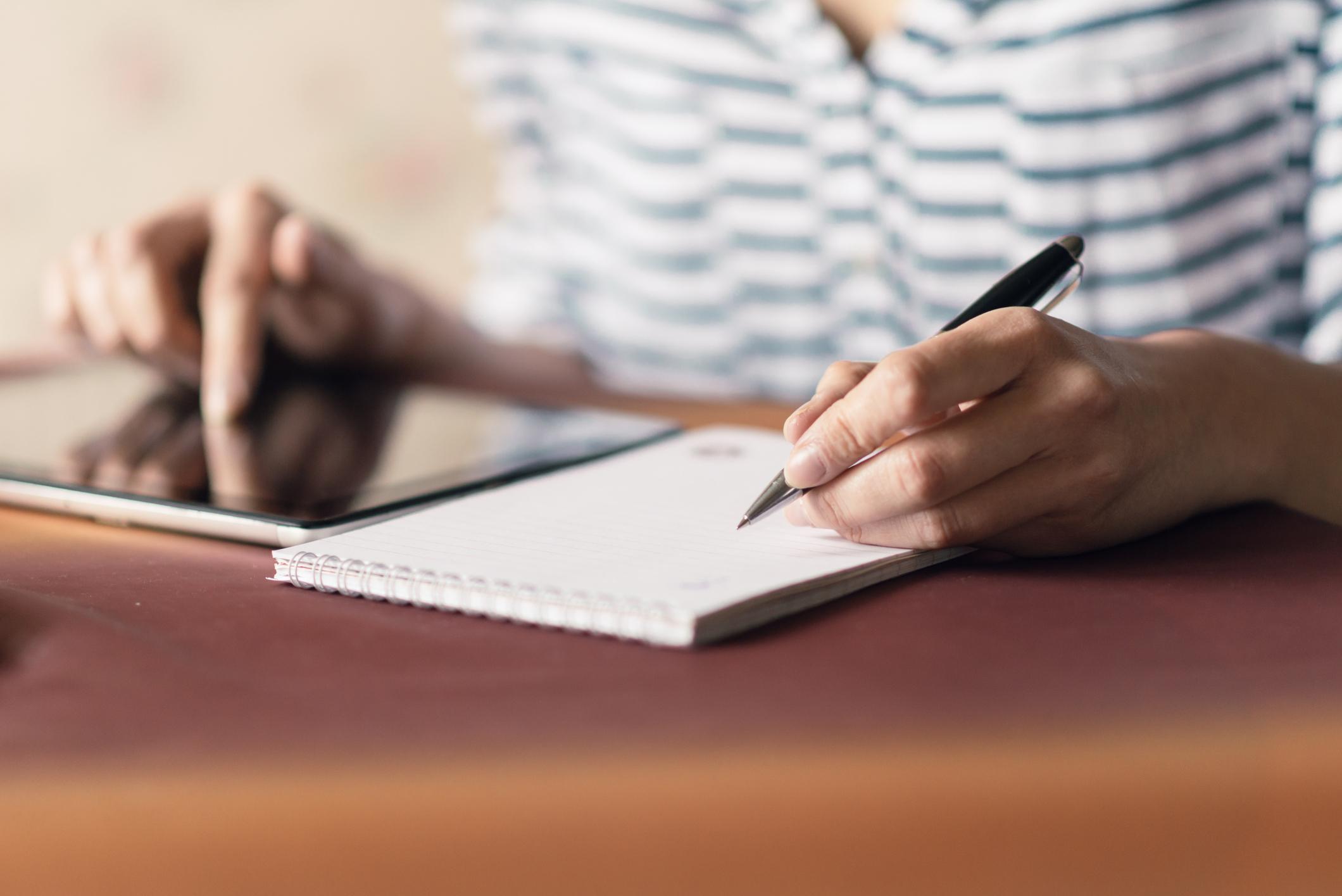 داشتن لیست مجلات داخلی برای چاپ مقاله کار دانشجویان و محققان داخلی برای چاپ مقاله را تسهیل خواهد کرد.