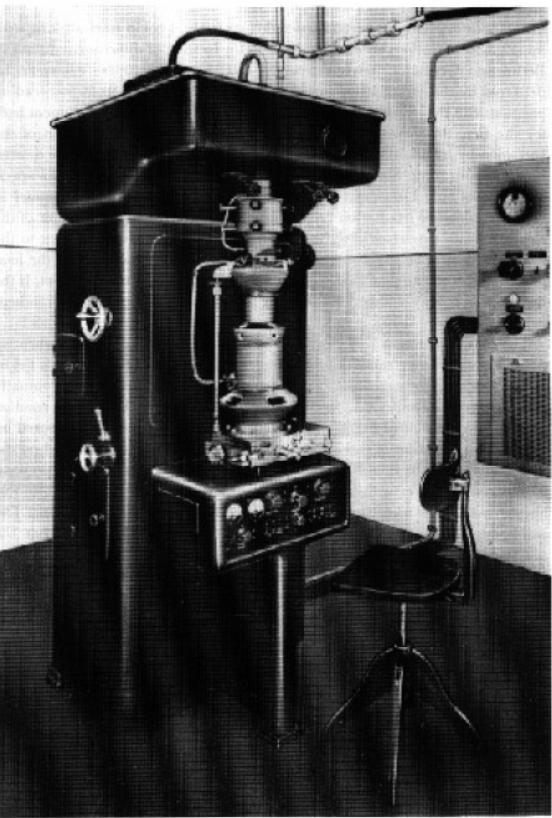 اولین میکروسکوپ الکترونی تجاری