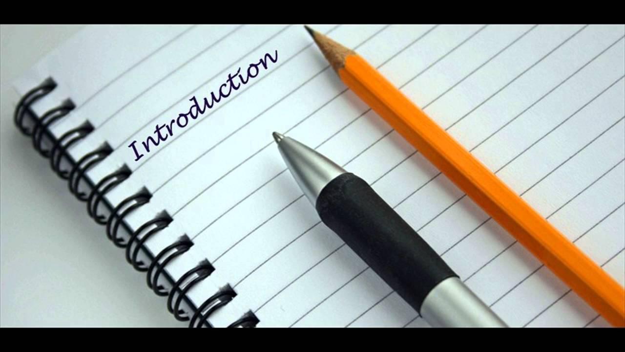 پیشگفتار پایان نامه بایستی شامل اطلاعات مفید برای خواننده، معرفی نویسنده و همچنین در صورت نیاز قدردانی از افرادی باشد که شما را در نگارش آن یاری کردهاند.